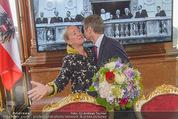 Staatsakt 60 Jahre Staatsvertrag - Oberes Belvedere - Fr 15.05.2015 - Agnes HUSSLEIN, Josef OSTERMAYER (Wirft Blumenstrauss statt Glas148