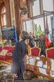 Staatsakt 60 Jahre Staatsvertrag - Oberes Belvedere - Fr 15.05.2015 - Agnes HUSSLEIN, Josef OSTERMAYER (Wirft Blumenstrauss statt Glas150