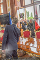 Staatsakt 60 Jahre Staatsvertrag - Oberes Belvedere - Fr 15.05.2015 - Agnes HUSSLEIN, Josef OSTERMAYER (Wirft Blumenstrauss statt Glas151
