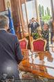 Staatsakt 60 Jahre Staatsvertrag - Oberes Belvedere - Fr 15.05.2015 - Agnes HUSSLEIN, Josef OSTERMAYER (Wirft Blumenstrauss statt Glas152