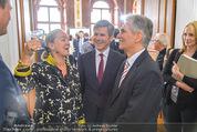 Staatsakt 60 Jahre Staatsvertrag - Oberes Belvedere - Fr 15.05.2015 - Agnes HUSSLEIN, Josef OSTERMAYER, Werner FAYMANN mit Molotowglas43