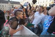 Solidarity Gala - Hofburg - Sa 16.05.2015 - Kelly OSBOURNE (Autogramme geben)17