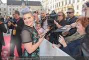 Solidarity Gala - Hofburg - Sa 16.05.2015 - Kelly OSBOURNE (Autogramme geben)18