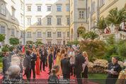 Solidarity Gala - Hofburg - Sa 16.05.2015 - Schweizer Hof, Gala, G�ste, VIPs, Dinner, Gesellschaft50