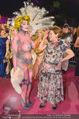 Lifeball Red Carpet - Rathaus - Sa 16.05.2015 - Hannelore ELSNER mit fast nacktem Gast, Busenfrau193