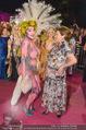Lifeball Red Carpet - Rathaus - Sa 16.05.2015 - Hannelore ELSNER mit fast nacktem Gast, Busenfrau194