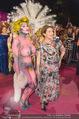 Lifeball Red Carpet - Rathaus - Sa 16.05.2015 - Hannelore ELSNER mit fast nacktem Gast, Busenfrau195