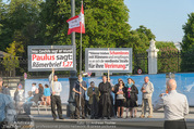 Lifeball Red Carpet - Rathaus - Sa 16.05.2015 - Gegendemonstration, Anti-Schwulen-Demo vor dem Volksgarten6