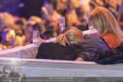 Lifeball Eröffnung - Rathaus - Sa 16.05.2015 - Charlize THERON, Sean PENN (kuschelnd, k�ssend)101