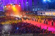 Lifeball Eröffnung - Rathaus - Sa 16.05.2015 - Rathausplatz, Menschenmenge, �bersichtsfoto3