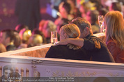 Lifeball Eröffnung - Rathaus - Sa 16.05.2015 - Charlize THERON, Sean PENN (kuschelnd, k�ssend)83