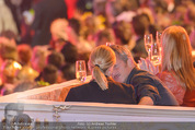 Lifeball Eröffnung - Rathaus - Sa 16.05.2015 - Charlize THERON, Sean PENN (kuschelnd, k�ssend)86