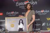 Conchita Wurst PK - Stadthalle Wien - Do 21.05.2015 - Conchita WURST mit Platin-Auszeichnung Platte18