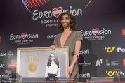 Conchita Wurst PK - Stadthalle Wien - Do 21.05.2015 - Conchita WURST mit Platin-Auszeichnung Platte20