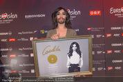 Conchita Wurst PK - Stadthalle Wien - Do 21.05.2015 - Conchita WURST mit Platin-Auszeichnung Platte43