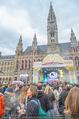 The MakeMakes Live - Rathausplatz - Do 21.05.2015 - Rathaus, Publikum, G�ste, Stimmung, Menschenmasse, Besucher,Fan20