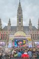 The MakeMakes Live - Rathausplatz - Do 21.05.2015 - Rathaus, Publikum, G�ste, Stimmung, Menschenmasse, Besucher,Fan21