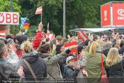 The MakeMakes Live - Rathausplatz - Do 21.05.2015 - Konzertbesucher, Fans, Zuschauer27