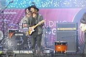 The MakeMakes Live - Rathausplatz - Do 21.05.2015 - THE MAKEMAKES live (Konzertfoto, B�hnenfoto)28