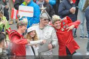 The MakeMakes Live - Rathausplatz - Do 21.05.2015 - Konzertbesucher, Fans, Zuschauer6