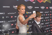 Song Contest Red Carpet - Wiener Stadthalle - Sa 23.05.2015 - Carina SARKISSOVA mit Sohn Gabriel11