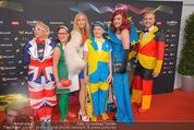 Song Contest Red Carpet - Wiener Stadthalle - Sa 23.05.2015 - bunt gekleidete Fans37