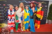 Song Contest Red Carpet - Wiener Stadthalle - Sa 23.05.2015 - bunt gekleidete Fans38