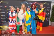 Song Contest Red Carpet - Wiener Stadthalle - Sa 23.05.2015 - bunt gekleidete Fans39