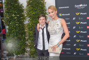 Song Contest Red Carpet - Wiener Stadthalle - Sa 23.05.2015 - Carina SARKISSOVA mit Sohn Gabriel8