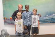 Abstraktion in Österreich - Albertina - Di 09.06.2015 - Hubert SCHEIBL mit Kindern Samuel, David (eigene) sowie Achmed51