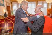 Goldenes Verdienstzeichen Michael Kunze - Rathaus - Mi 10.06.2015 - Werner SCHNEYER, Michael KUNZE11