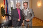 Goldenes Verdienstzeichen Michael Kunze - Rathaus - Mi 10.06.2015 - Michael KUNZE, Uwe KR�GER15