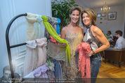 Opening - Cashmere & Silk Store - Do 11.06.2015 - Kathi und Gabi STUMPF110