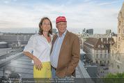 Peschev Kollektionspräsentation - Penthouse am Stephansplatz - Di 16.06.2015 - Niki LAUDA mit Ehefrau Birgit112