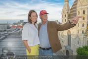 Peschev Kollektionspräsentation - Penthouse am Stephansplatz - Di 16.06.2015 - Niki LAUDA mit Ehefrau Birgit116