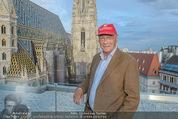 Peschev Kollektionspräsentation - Penthouse am Stephansplatz - Di 16.06.2015 - Niki LAUDA (Portrait vor dem Stephansdom)127