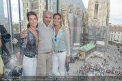Peschev Kollektionspräsentation - Penthouse am Stephansplatz - Di 16.06.2015 - Kathi und Gabi STUMPF47