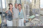 Peschev Kollektionspräsentation - Penthouse am Stephansplatz - Di 16.06.2015 - Kathi und Gabi STUMPF48
