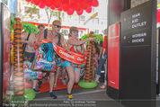 Seminaked - Desigual - Mi 17.06.2015 - Start, Einlass, Shoppingbeginn, Sturm aufs Gesch�ft78