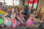 Seminaked - Desigual - Mi 17.06.2015 - Start, Einlass, Shoppingbeginn, Sturm aufs Gesch�ft82