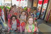 Seminaked - Desigual - Mi 17.06.2015 - Start, Einlass, Shoppingbeginn, Sturm aufs Gesch�ft84