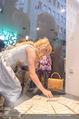 Pamela Anderson Shoppingtour - Innenstadt Wien - Do 18.06.2015 - Pamela ANDERSON bei Weisz12