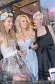 Pamela Anderson Shoppingtour - Innenstadt Wien - Do 18.06.2015 - Pamela ANDERSON spaziert durch Wien Vienna mit Weinglas15