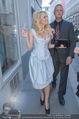 Pamela Anderson Shoppingtour - Innenstadt Wien - Do 18.06.2015 - Pamela ANDERSON spaziert durch Wien Vienna mit Weinglas19