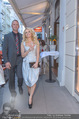 Pamela Anderson Shoppingtour - Innenstadt Wien - Do 18.06.2015 - Pamela ANDERSON spaziert durch Wien Vienna mit Weinglas31
