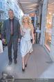 Pamela Anderson Shoppingtour - Innenstadt Wien - Do 18.06.2015 - Pamela ANDERSON spaziert durch Wien Vienna mit Weinglas32
