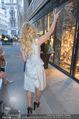 Pamela Anderson Shoppingtour - Innenstadt Wien - Do 18.06.2015 - Pamela ANDERSON spaziert durch Wien Vienna mit Weinglas41