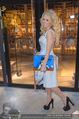 Pamela Anderson Shoppingtour - Innenstadt Wien - Do 18.06.2015 - Pamela ANDERSON spaziert durch Wien Vienna mit Weinglas42