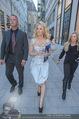 Pamela Anderson Shoppingtour - Innenstadt Wien - Do 18.06.2015 - Pamela ANDERSON spaziert durch Wien Vienna mit Weinglas50