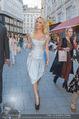 Pamela Anderson Shoppingtour - Innenstadt Wien - Do 18.06.2015 - Pamela ANDERSON spaziert durch Wien Vienna mit Weinglas51